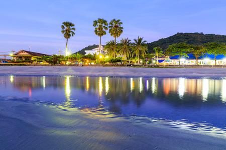 Réflexion de la lumière sur la plage, Thaïlande Banque d'images - 25664495