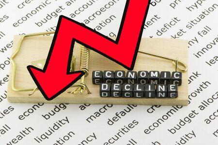 desarrollo económico: El descenso en el desarrollo económico Foto de archivo
