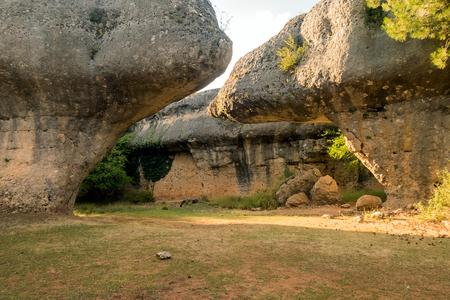 매혹적인 도시 쿠 엥카에서 카스티야 라 만차, 스페인의 독특한 암석의 이미지 스톡 콘텐츠 - 85553668