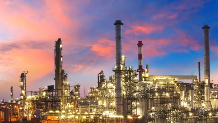 Oil refinery at twilight - factory Stock Photo - 16217987
