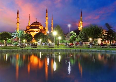 pavo: La Mezquita Azul en Estambul, en Turqu�a Foto de archivo