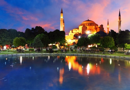 istanbul night: Hagia Sofia with reflection - Isntanbul, Turkey Stock Photo