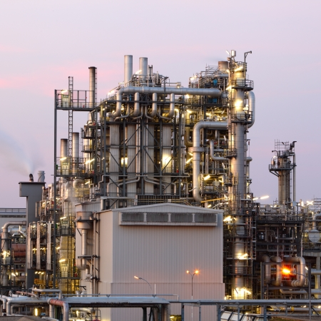 Oil and gas refinery at twilight - Petrochemical factory Stock Photo - 16703706
