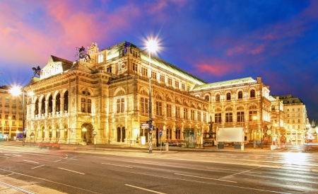 neo classical: Vienna - Opera house Editorial