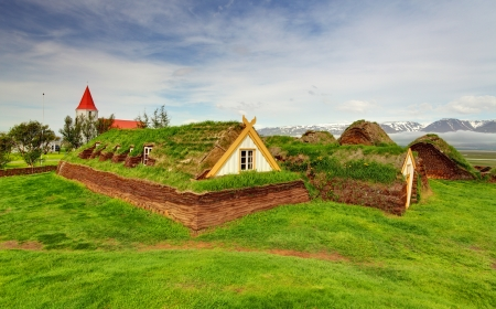 Lawn covering housee, iceland original buildings