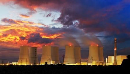 夜の原子力発電所 写真素材