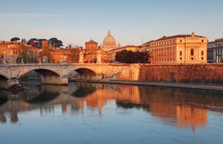 tevere: Rome with river Tevere at sunrise