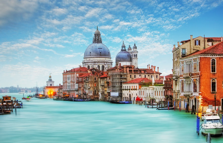 Venetië - Canal Grande en de basiliek Santa Maria della Salute Stockfoto