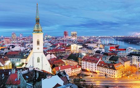 Eslovaquia - Bratislava en la noche Foto de archivo