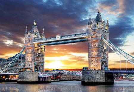 Londres - puente de la torre, Reino Unido Foto de archivo - 37189188