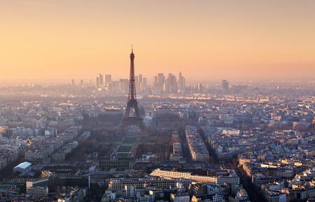 cenital: Panorama de París en la puesta del sol