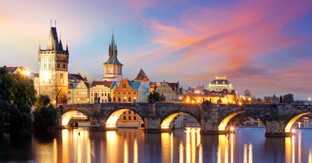 Praag - Charles bridge, Tsjechië Stockfoto - 39294407