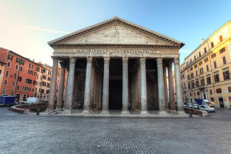 pantheon: Pantheon - rome Editorial