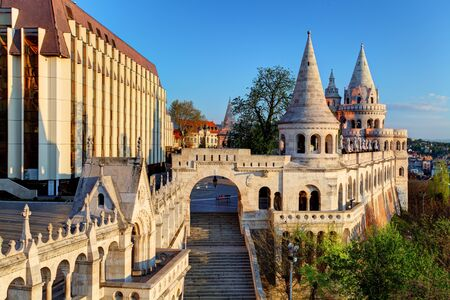 pecheur: Budapest - bastion Pêcheur au lever du soleil Éditoriale
