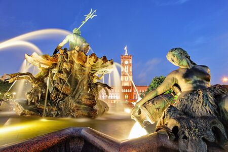 rathaus: Berlin Neptune fountain in Alexanderplatz With Rotes Rathaus