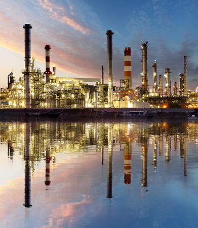 Öl- und Gas-Raffinerie, Kraftwerksindustrie Standard-Bild