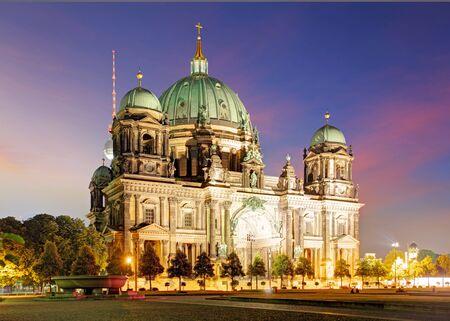 dom: Berlin, Berliner Dom la nuit