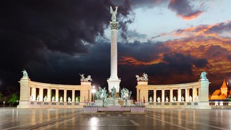 Boedapest - Heldenplein Stockfoto