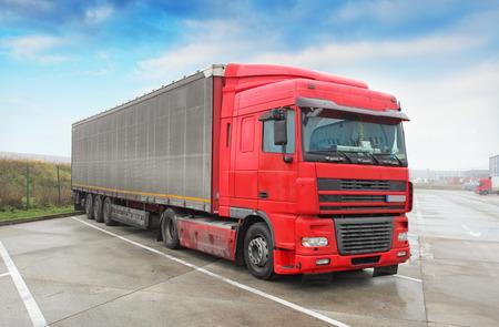 trucking: Truck - Trucking, Freight Transport