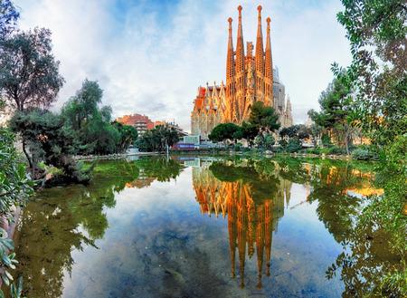 barcelona cathedral: BARCELONA, SPAIN - FEB 10: View of the Sagrada Familia, a large Roman Catholic church in Barcelona, Spain, designed by Catalan architect Antoni Gaudi, on February 10, 2016. Barcelona