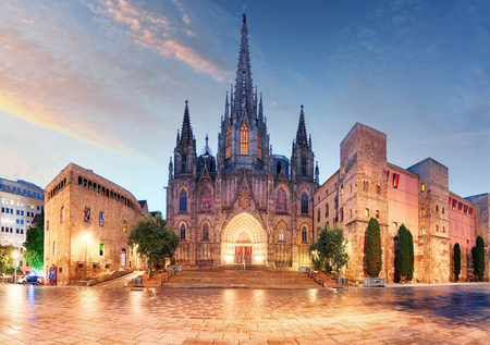 barcelona cathedral: Gothic Barcelona Cathedral at night, Spain