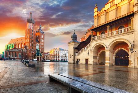 ポーランド、クラクフ マーケット広場 写真素材 - 65125705