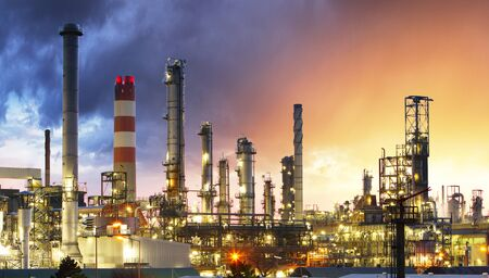 plant oil: Oil Industry Refinery factory at Sunset, Petroleum, petrochemical plant