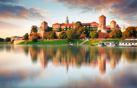 Wawel hill with castle in pink light of sunset, Krakow, Poland Stok Fotoğraf - 71563181
