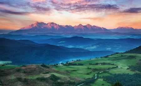 スロバキアの夏の山の風景