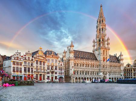 Bruxelles, arcobaleno su Grand Place, Belgio, nessuno Archivio Fotografico
