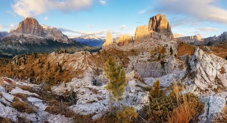 Italy Doloomites Alps, cinque Torri