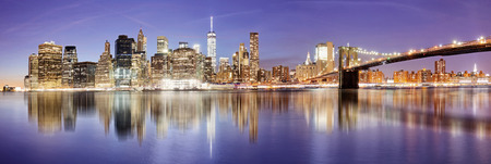 New York panorama with Brooklyn bridge at night, USA Reklamní fotografie