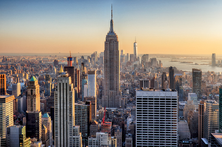 Atardecer en Manhattan, Nueva York, EE.