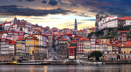 Porto at twilight with reflection in Douro river. Portugal 報道画像