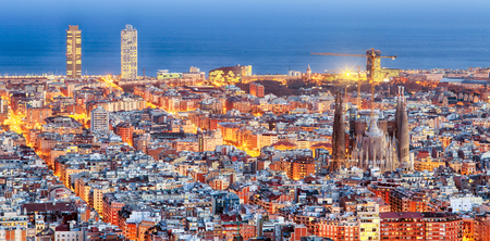 Panorama van Barcelona bij zonsopgang Stockfoto