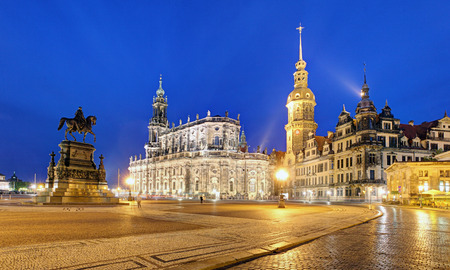 Dresden castle or Royal Palace by night, Saxony, Germany 報道画像