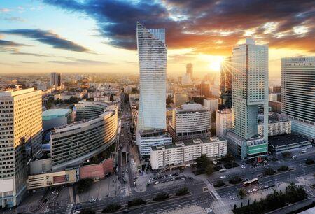 Panorama del atardecer de Varsovia, capital de Polonia, Europa