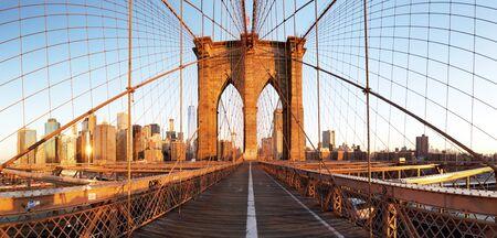 Nowy Jork z mostem brooklińskim, Dolny Manhattan, USA