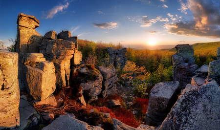 Sun with rocks in mountain at sunset Reklamní fotografie - 165351539