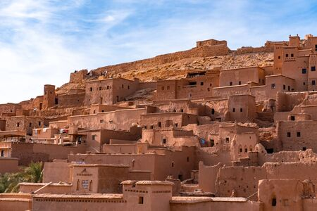 The fortified town of Ait ben Haddou near Ouarzazate on the edge of the sahara desert in Morocco. Atlas mountains. Used in many films such as Lawrence of Arabia, Gladiator Standard-Bild - 131306837