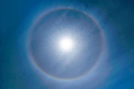 Fantastic Beautiful Sun Halo Phenomenon in the sky. Rainbow Ring around Sun in Summer Archivio Fotografico