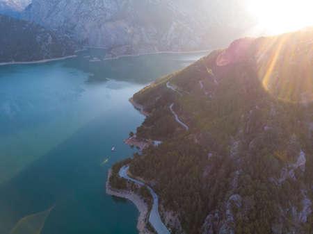 Coastline of Oymapinar lake, Mountain and Forest in Turkey - Green Canyon in Oymapinar Mount area at Manavgat, Antalya, Turkey. 版權商用圖片