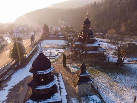Aerial view to wooden church of Holy Prophet Elijah, Ilinskaya, Yaremche, Carpathians mountains, Ukraine 版權商用圖片