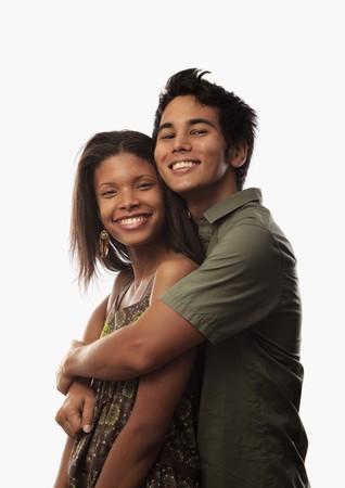 portret van een jong gemengd paar
