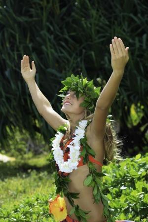 hawaiana: hula Hawaiian bailado por una adolescente  Foto de archivo
