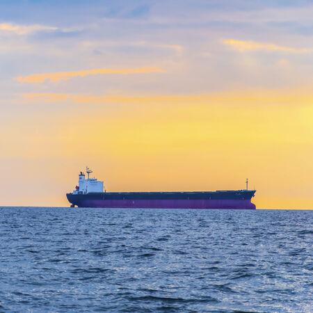 Empty container ship Фото со стока