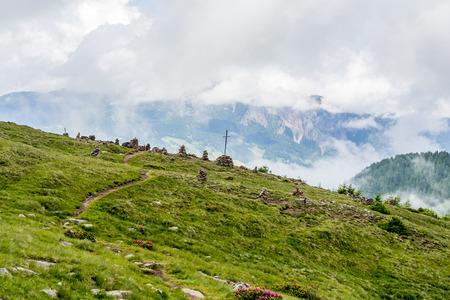 Stoanerne Mandln - Alps (Stone Man) Фото со стока