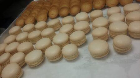 macarons: Vanilla macarons