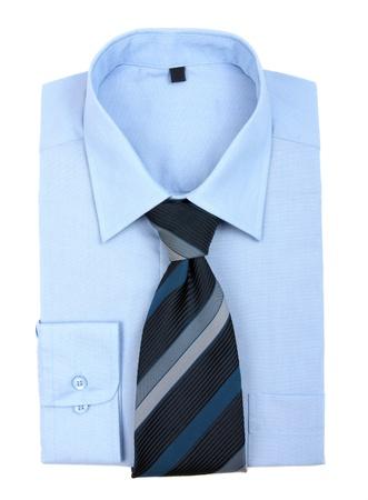 camisa: Nueva camisa azul y corbata, aislado en blanco Foto de archivo
