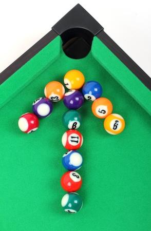 bola ocho: flechas de colores establecidos con las bolas de billar